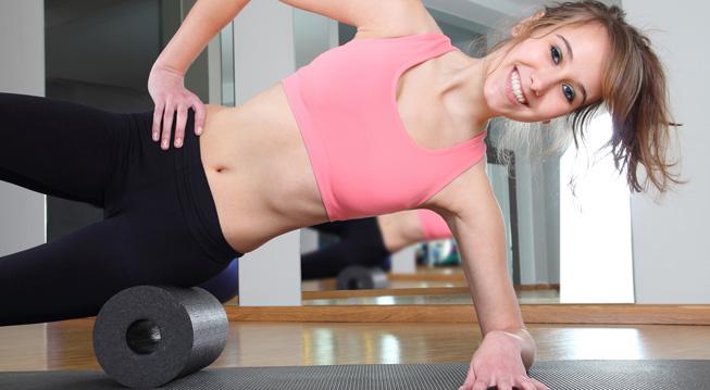 Junge Frau bei sportlicher Betätigung