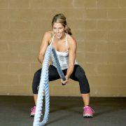 Frau beim Tabata Fitnesskurs